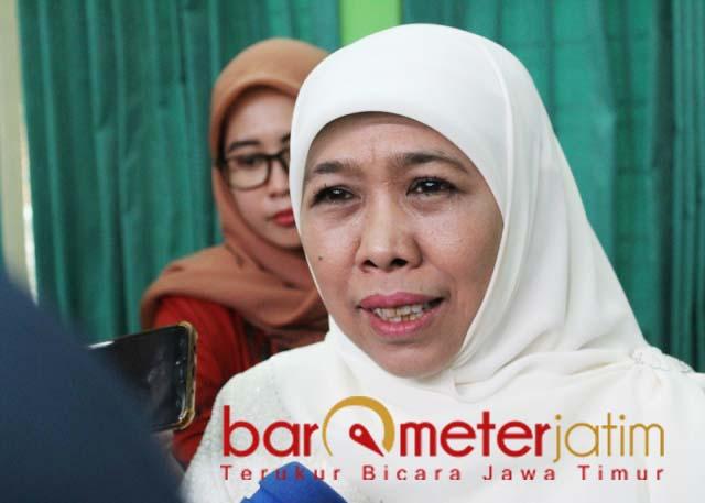 WASIAT FUAD AMIN: Khofifah, diwasiati Fuad Amin untuk menjadi kakak asuh Ra Latif. | Foto: Barometerjatim.com/ROY HS