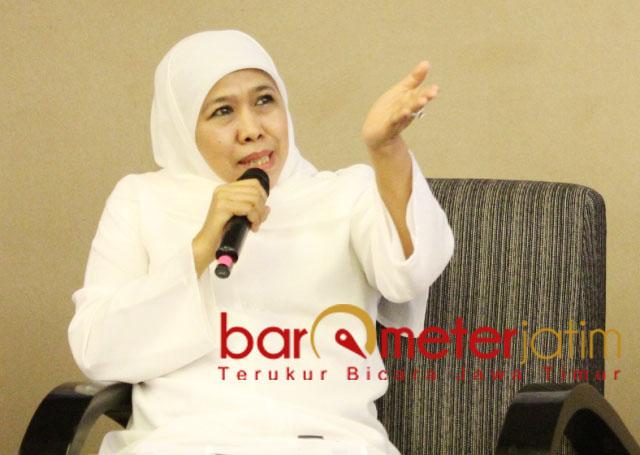 BISNIS ONLINE: Khofifah ajak ibu rumah tangga bisnis online di era industri 4.0.   Foto: Barometerjatim.com/ROY HS
