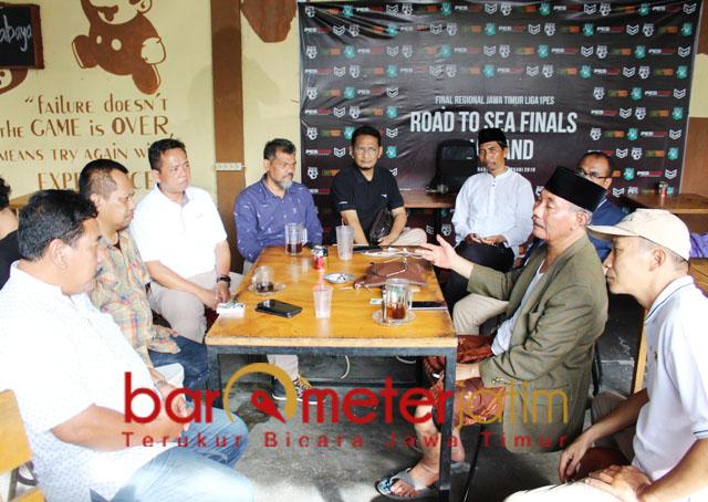BAHAS NASIB DUTA: Pengurus PWI Jatim bertemu redaksi Duta pasca Astranawa dieksekusi. | Foto: Barometerjatim.com/ROY HS