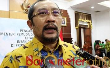 KRITIK RISMA: Sahat Tua Simanjuntak, sayangkan mentalitas birokrasi Risma. | Foto: Barometerjatim.com/ROY HS