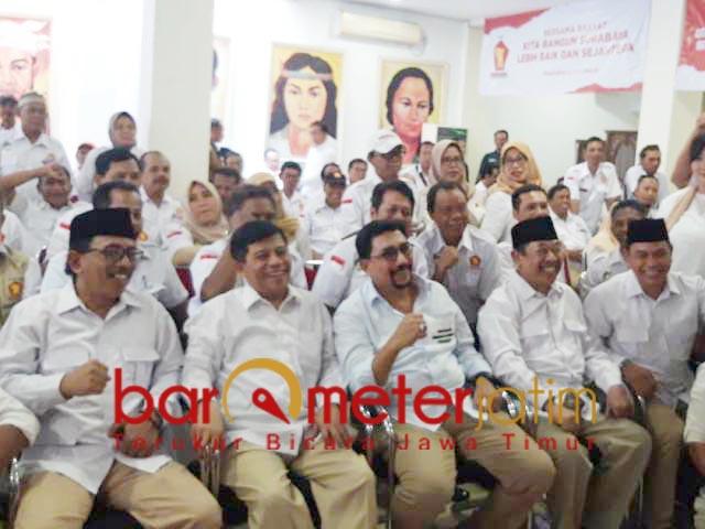 TAK LAGI RIVAL: Machfud Arifin bersama pengurus dan kader Partai Gerindra. | Foto: Barometerjatim.com/ROY HS