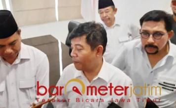 POROS GERINDRA: Soepriyatno (tengah), enam lebih Parpol siap usung Machfud Arifin di Pilwali Surabaya. | Foto: Barometerjatim.com/ROY HS