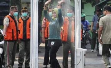 SARCOVID BOOTH: Bilik penyemprot desinfektan, sumbangsih warga Malang untuk mencegah virus Corona.   Foto: IST