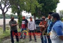 PASANG BADAN: Pemuda Pancasila Lamongan, dukung penuh proyek RS Covid-19. | Foto: Barometerjatim.com/HAMIM ANWAR