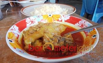 KHAS TUBAN: Becek Menthog Pak Wo, masakan khas Tuban yang bikin ketagihan.   Foto: Barometerjatim.com/HAMIM ANWAR