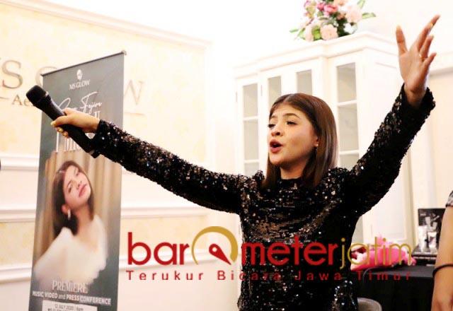 GEBRAKAN AREK SUROBOYO: Sara Fajira, siap menggebrak lagi dengan single I Miss U. | Foto: Barometerjatim.com/ROY HS