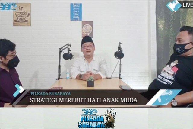 "PENJARA ATAU MENANG: Seno (kiri) dan Ulum dalam dialog ""Jagongan Santai Para Jubir Muda Cawali Surabaya"". | Foto: Capture Youtube/IST"