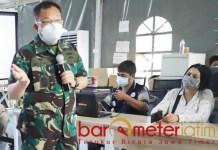 RSLKI MINIM APD: Dokter Nalendra, jumlah pasien melonjak RS Lapangan mulai minim APD. | Foto: OutlookIndia.com