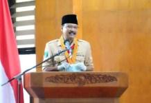 JANGAN DIBAWA KE POLITIK: Gus Ipul saat menghadiri pelantikan pengurus Kwarcab Pramuka Pasuruan. | Foto: IST
