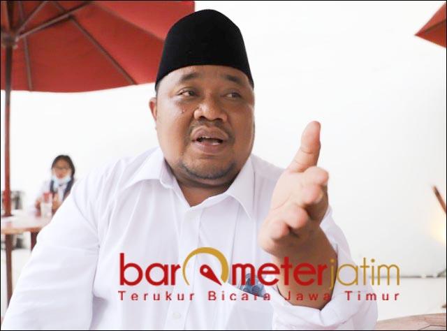 CIUM POLITIK UANG: Yusub Hidayat, dapat laporan terkait dugaan politik uang jelang Konfercab Asor Surabaya. | Foto: Barometerjatim/ROY HS