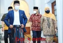 PERTEMUAN GEDUNG SATE: Ridwan Kamil-Khofifah, mulai merajut pernikahan politik di 2024? | Foto: Barometerjatim.com/ABDILLAH