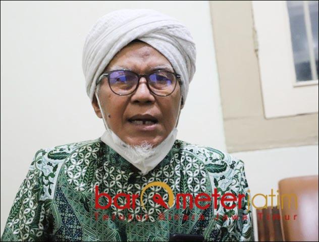 TAK CUKUP MINTA MAAF: KH Abd Tawwab Hadlory, Khofifah tak cukup minta maaf. | Foto: Barometerjatim.com/ROY HS
