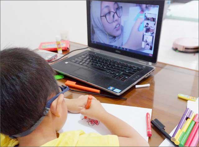 BLENDED LEARNING: Kegiatan belajar dan mengajar antara siswa dan guru Sekolah Murid Merdeka.   Foto: SMM/IST