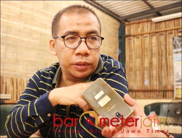 BERPULANG: Kader Gerindra, Achmad Firdaus Febrianto saat diwawancarai Barometerjatim.com. | Foto: Barometerjatim.com/DOK
