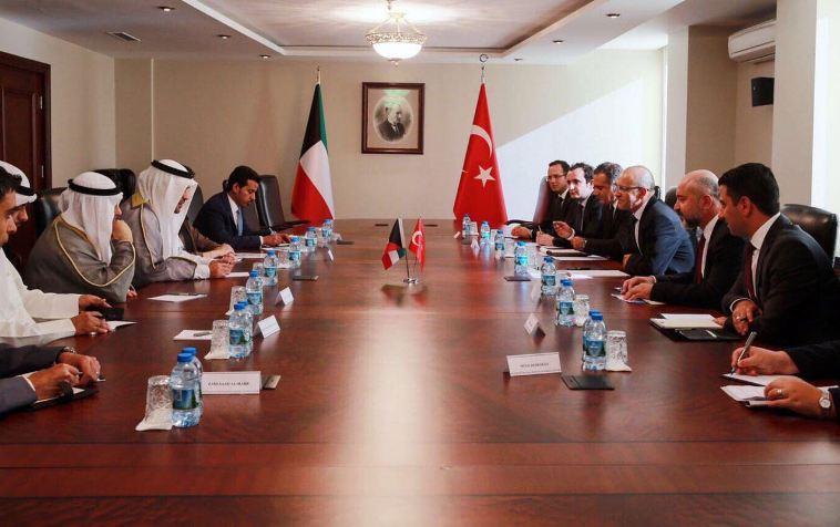 الكويت توقع 6 اتفاقيات مع تركيا