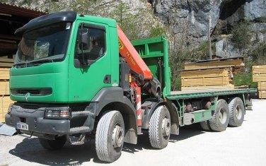 livraisons-par-camion-grue