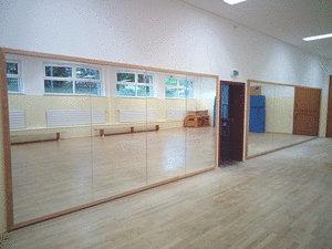 danse un miroir de sport un mur miroir