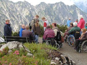 Auf dem rollstuhlgerechten Panoramaweg am Nebelhorn
