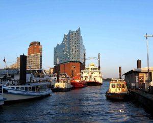 Bild zeigt die Elbphilharmonie Hamburg