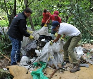 Jornada de limpieza en cerros de Chapinero