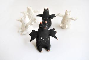 Miniaturas Murciélagos Blancos y Negros