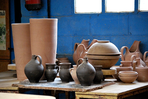 Piezas de cerámica tradicional del taller de Faro