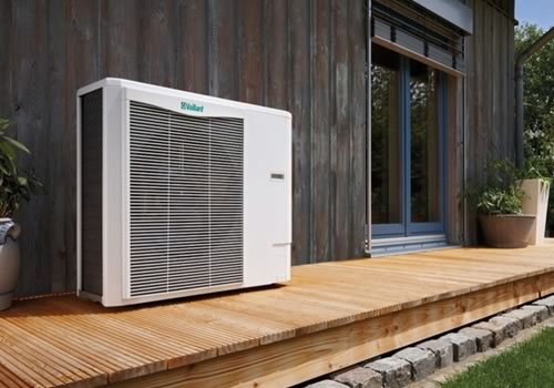 Air Source Heat pump installation on a modern property