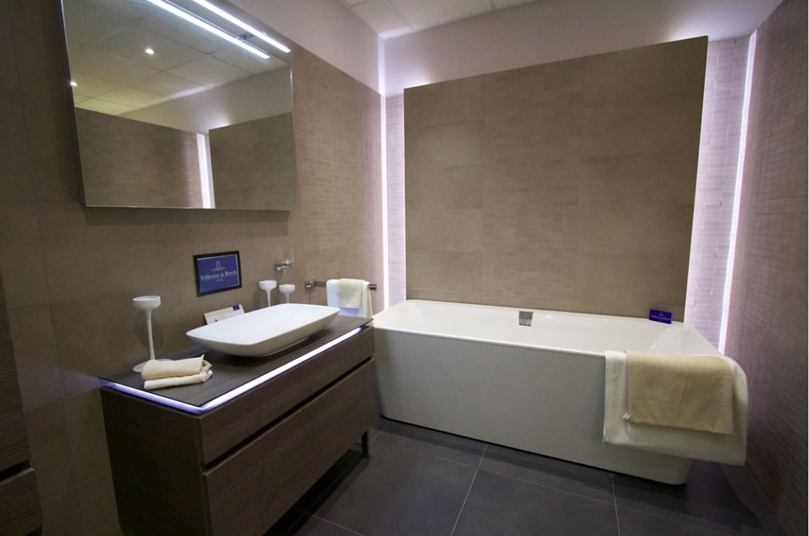 Beautiful Lit modern bathroom