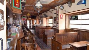 Lovely Traditional Irish Pub In Estepona Old Town Bars