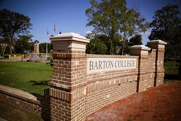 Barton Announces President's and Dean's Lists for Fall Semester