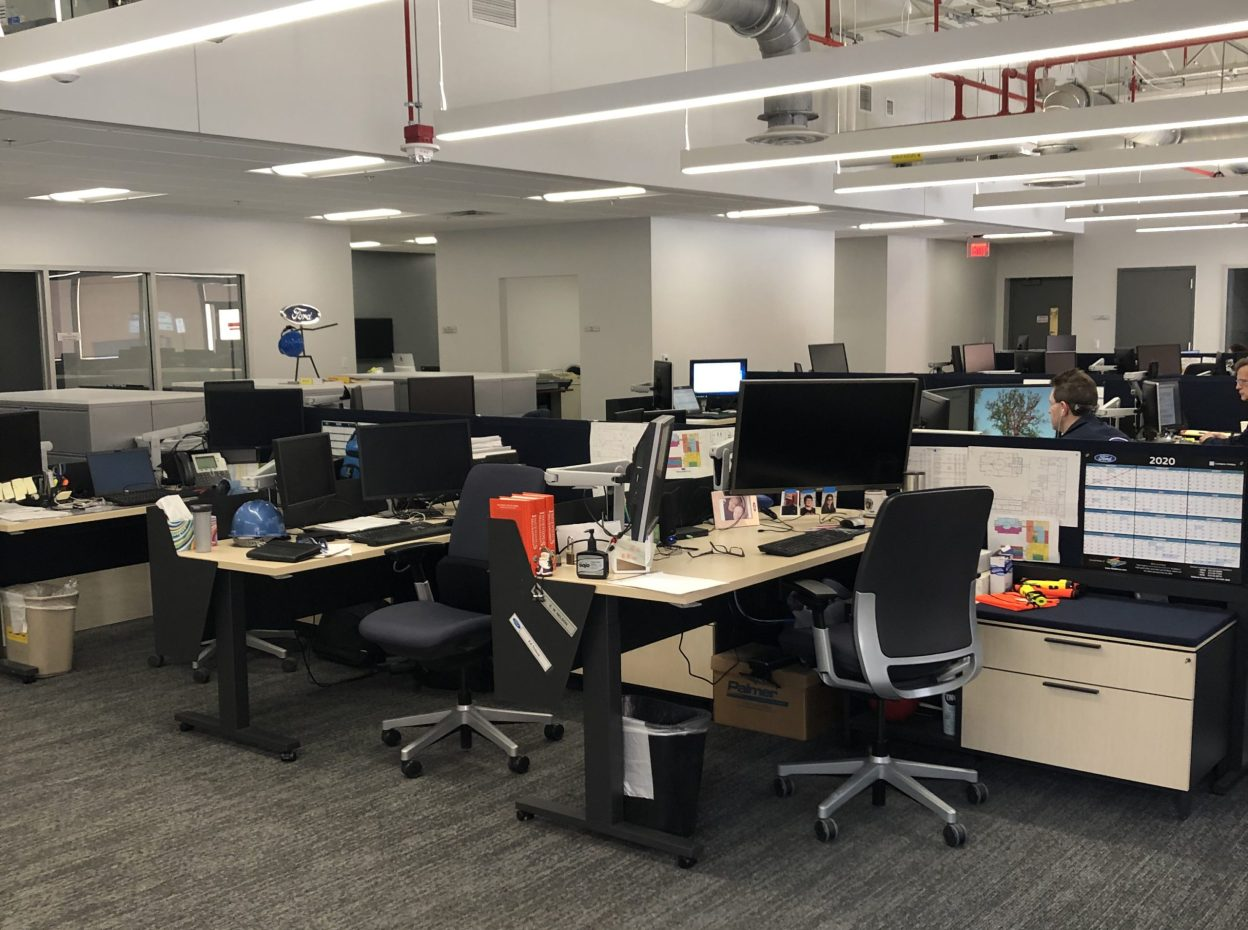 Ford Powertrain Fuel Systems Lab Renovation + Upgrade Interior Desks