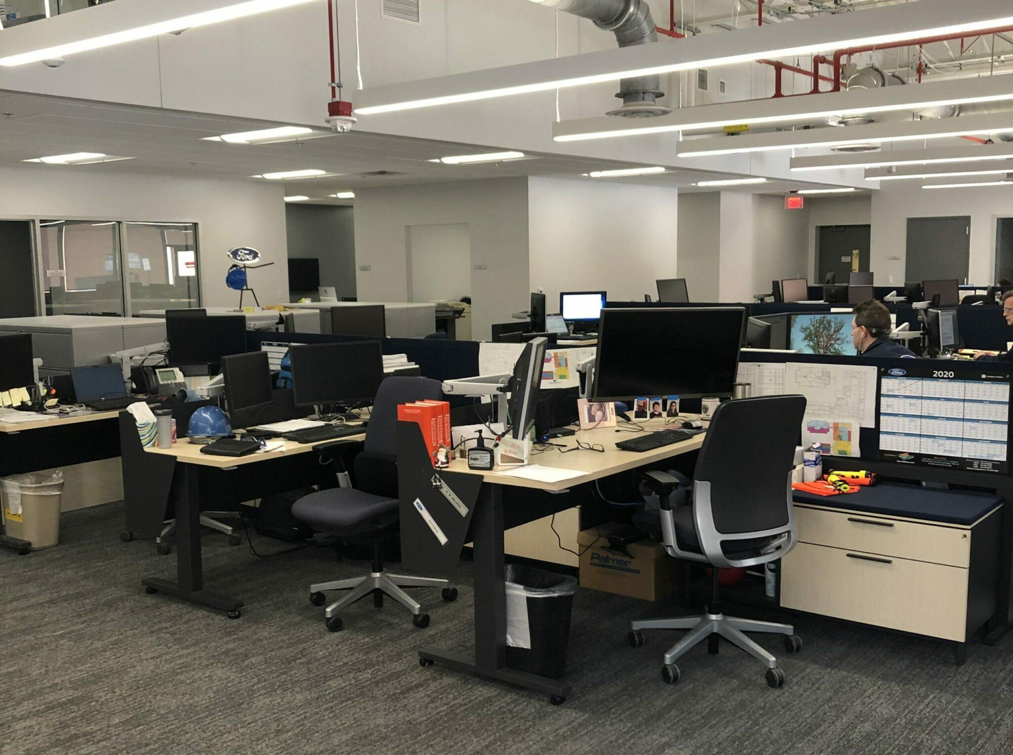 Ford Powertrain Fuel Systems Lab Renovation + Upgrade Interior Desks
