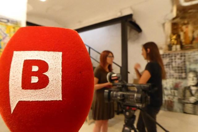BTV a la galeria Base Elements, el ADN de Barcelona, esposicio Carcuezo el arte es basura