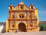 Knalgele kerk van San Andres Xecul