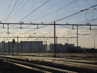 Het treinspoor dwars door Zaandam