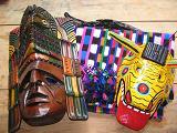 Onze souvenirs, 2 maskers en een traje tipico de San Pedro