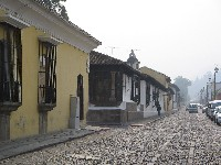 Vooral lage bebouwing i.v.m. het aardbevinggevaar