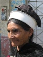 Mooie oude dame op de Feria Dominical in Huancayo
