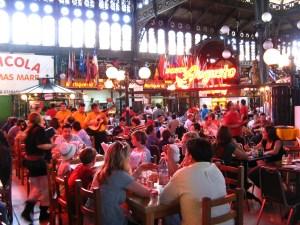 IMG_3488_De_oude_markt_nu_toeristenvreetschuur
