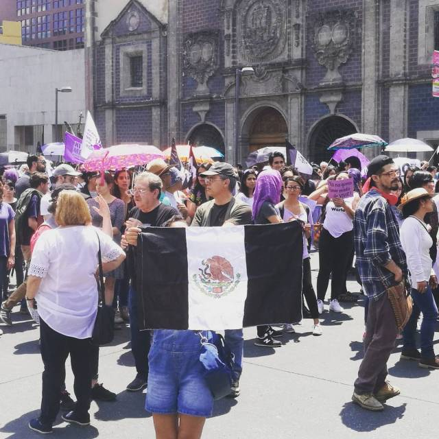Caminando  niunamas cdmx mexico