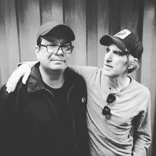 Con Mikel Erentxun En algn lugar de la radio hellip