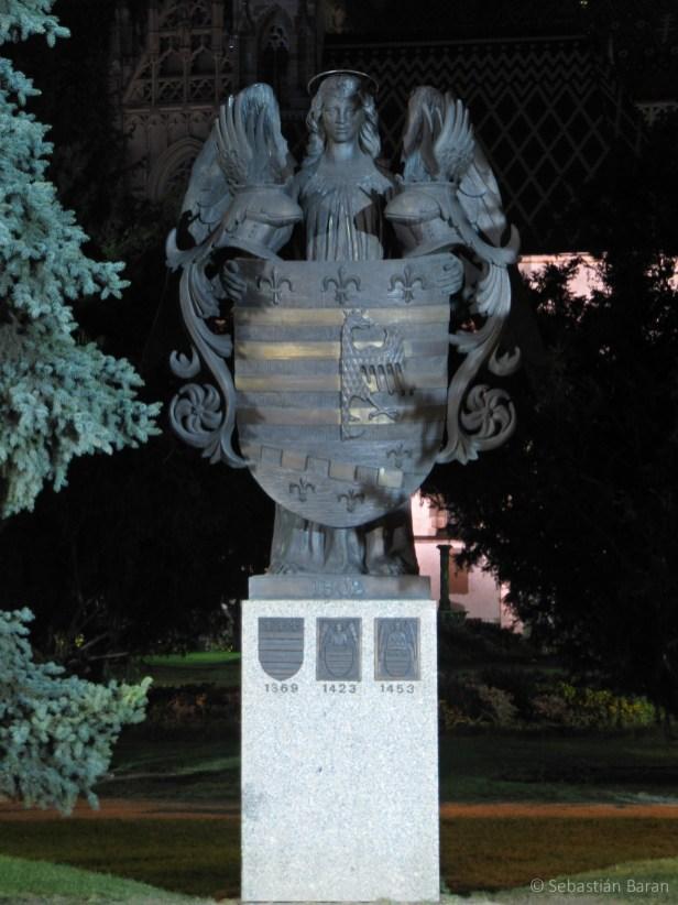 Statue of Košice's coat of arms