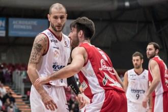 Campionato Pallacanestro serie A2 girone EST, 8° di andata. Assigeco Piacenza - Proger Chieti