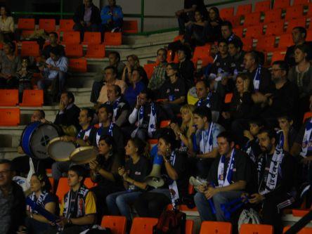 Aficionados palentinos en Ourense. Foto Peña Basket Morao