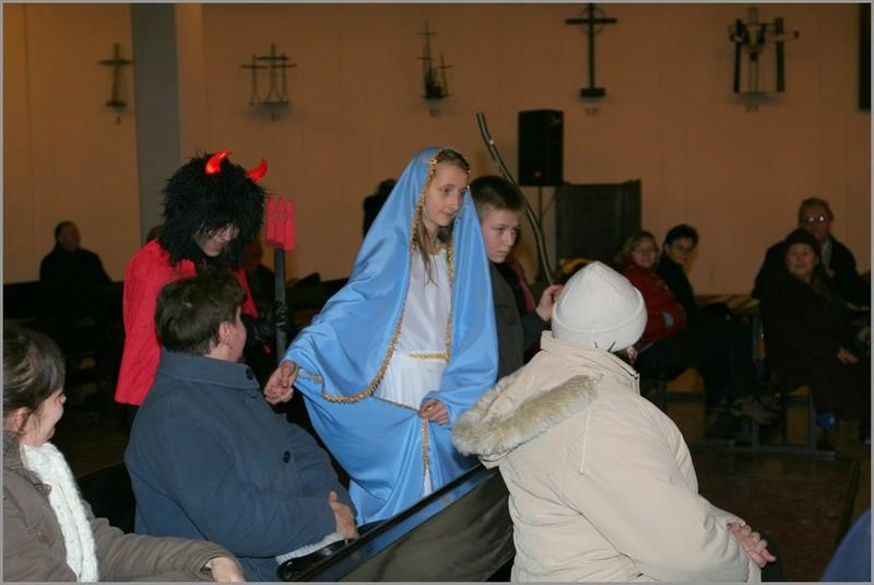 Scenariusz jasełek Tak On jest Królem w wykonaniu dzieci z Racławic