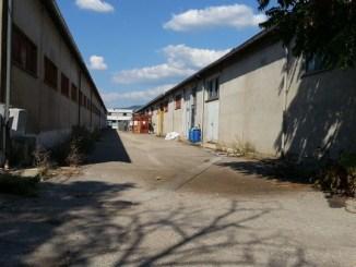 Capannoni industriali vuoti a Bastia