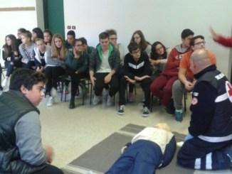 Ic Bastia 1, formazione di primo soccorso con la Croce Rossa