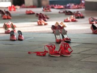 Punto di ascolto e libro contro violenza sulle donne a Bastia Umbra