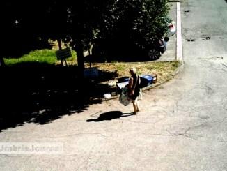Foto trappole e rifiuti selvaggi a Bastia Umbra, tanti comportamenti irregolari