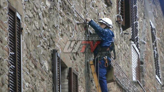 Fuoco sulla cassetta stradale Enel Monastero, problema risolto FOTO E VIDEO